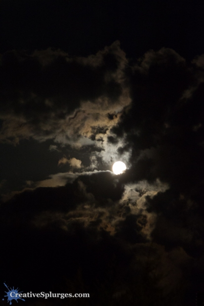 A stunning Moon over the Côte d'Azur